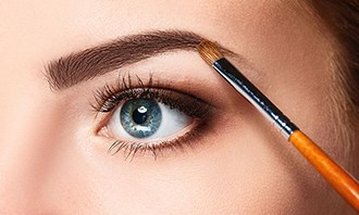 Micro Feathering Eyebrows
