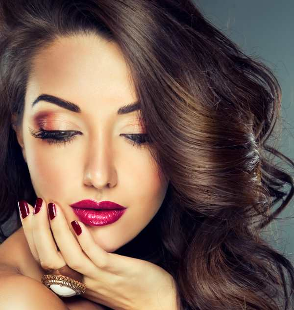 Are you Looking for a New Career? Our Make Up Training Course will Help